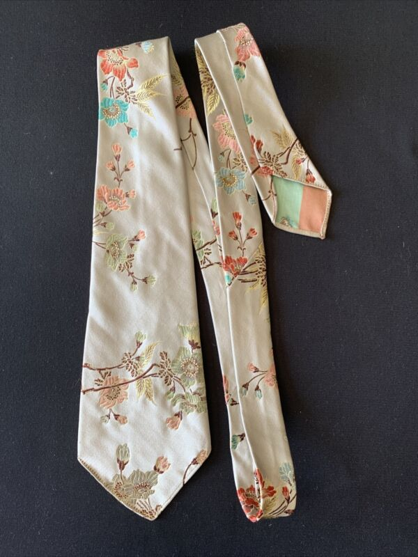 Vintage 1950's Hand Embroidered Men's Tie Peking China