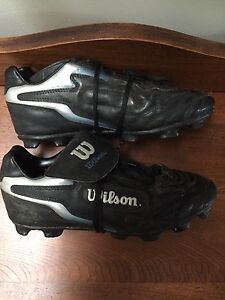 Ladies Wilson Soccer Shoes size 6.5