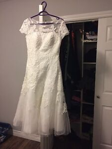 Brand New Wedding Dress Tulle with Lace Appliqués