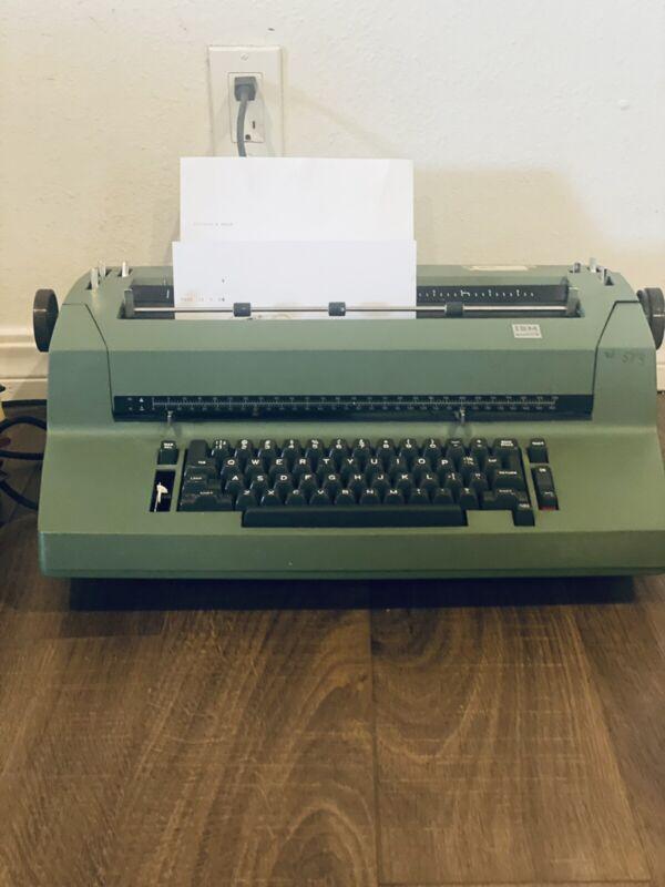 IBM Self-Correcting Selectric II Electric Typewriter Dark Green  Tested - Types