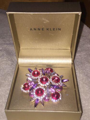 New In Original Box Signed ANNE KLEIN Goldtone Rhinestones Pin Brooch
