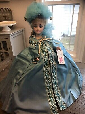 Madamne Alexander Cornelia 23 Inch Portrait Doll