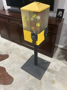 Coin operated Lolly machine