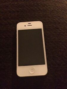 iPhone 4s excellent condition 16gb London Ontario image 2