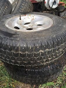 """Ford 15"""" winter tires and rims  for 4 wheel drive ,  West Island Greater Montréal image 2"""