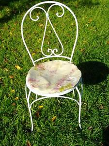 WHITE, WROUGHT IRON PROVINCIAL STYLE CHAIR.