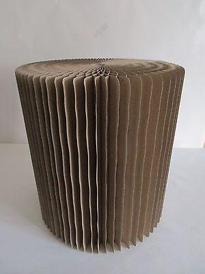 Stylischer Falthocker aus Pappe-Designerstück-Ausstellungsstück-SCHÖNER WOHNEN