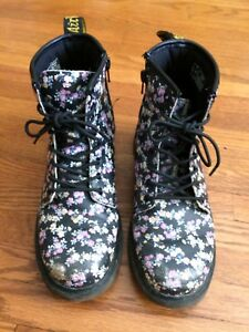 Black flowered Doc Martens size 5