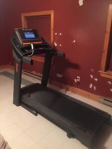 AFG 3HP Treadmill