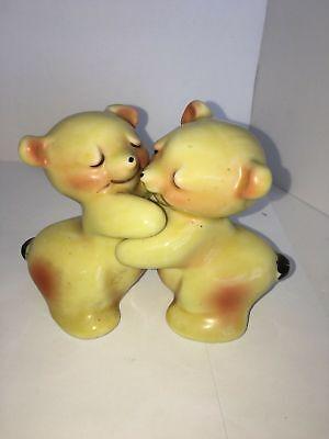 Hug Salt Pepper Shakers (Vintage Yellow Van Tellingen Bear Hug Salt & Pepper)
