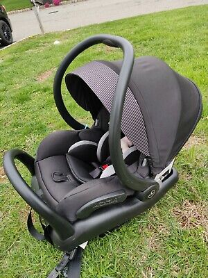 Maxi-Cosi Infant Car Seat w Base Night Black Rear Facing Baby (Extra Bases)