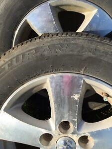 2009 Dodge Grand Caravan tires and rims