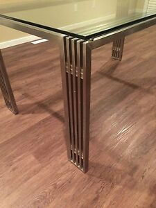Modern Metal and Glass Dining Table Edmonton Edmonton Area image 2
