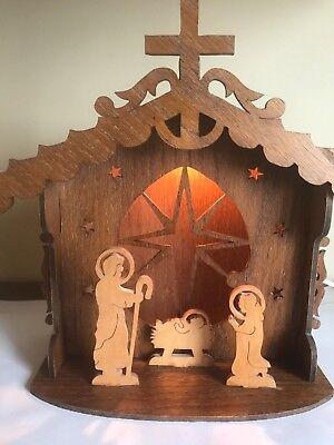 Handmade Wood Christmas Manger Nativity Woodcut Silhouette Shadow box Light](Manger Silhouette)