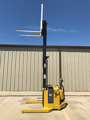 2005 Yale Walkie Stacker - Walk Behind Forklift Straddle Lift - Only 4117 Hours