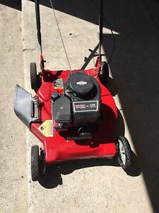 Murray lawnmower excellent condition