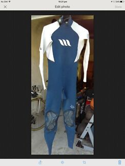 Wetsuit Surfing men's medium lotus 2X2 fluidseams