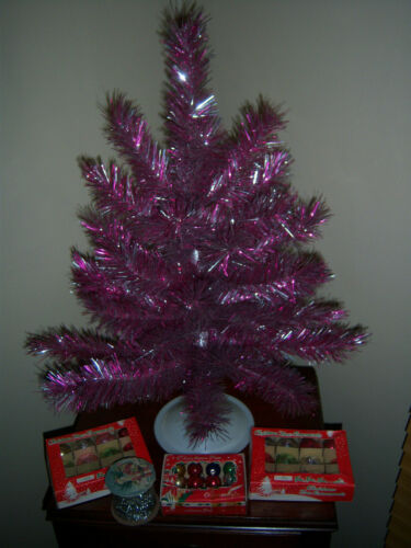 NICE HTF 2 FT VTG ALUMINUM TINSEL PINK SILVER TREE GARLAND GLASS ORNAMENTS DECOR
