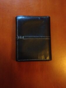 Men's Leather wallet - VanHeusen Studio- Brand new