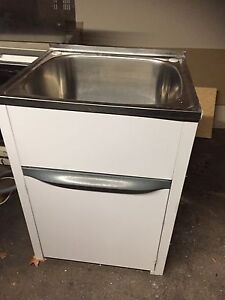 Laundry tub & cabinet McGraths Hill Hawkesbury Area Preview