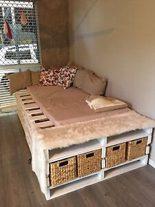 Pallet day/reading bed Whitfield Cairns City Preview