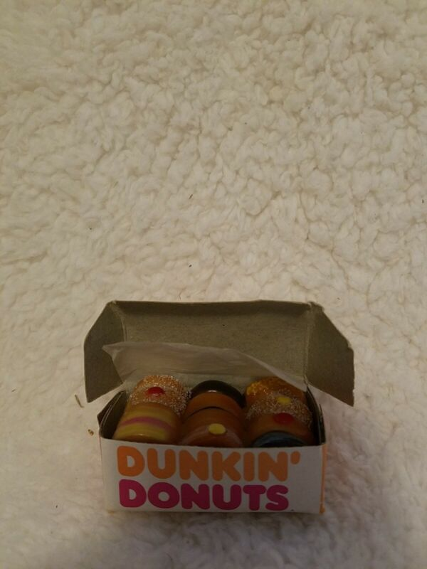 Rare Vintage Dunkin' Donuts Box of Dozen Assorted Doughnuts Refrig Magnet- B4