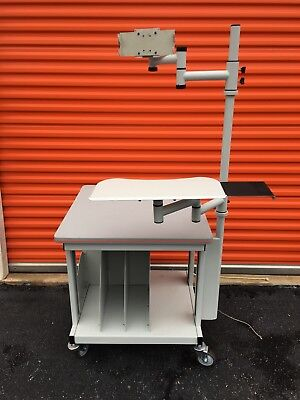 Agfa Cr 30 Cart Wkeyboard And Monitor Mount