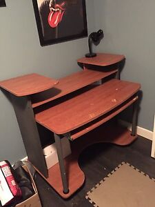 FREE Computer Desk - Must pick up Sunday Before Noon