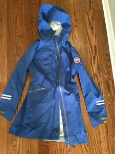 Women's small Canada Goose Costal Shell Pacific Blue