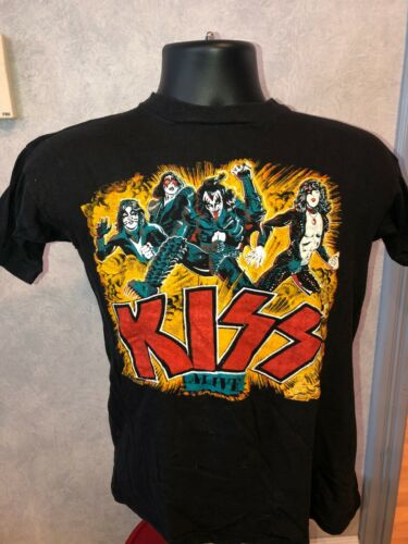 Vintage Original 1976 KISS Alive Worldwide Concert Tour T-Shirt Size Medium?