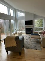 Upscale 4bdrm home, all newly renovated prestigious location