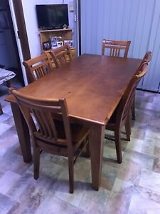 Pinewood solid table and chairs set