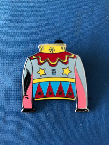 SWEATER  Disney Pin Dumbo From Mystery set