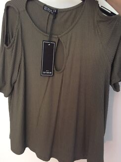 Cotton on cold shoulder top BNWT (M)