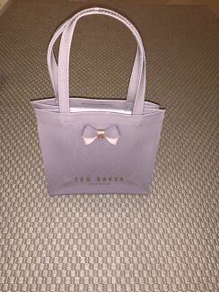 777a6c31289a8 TED BAKER BAG - BRAND NEW - PURPLE PINK
