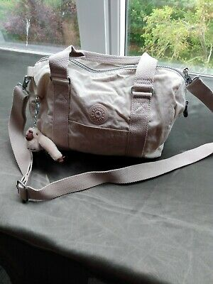 KIPLING CROSS BODY / SHOULDER BAG – Beige unused new Zhor keyring