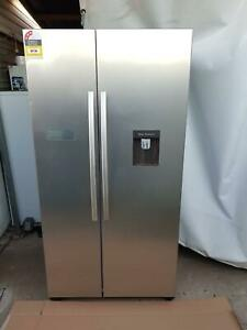 HISENSE 624L New Factory Second Stainless Steel Refrigerator RRP$1,349