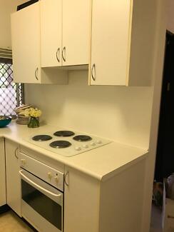 Free Kitchen. Inc. Cooker. Hob. Microwave. Sink Fridge freeze