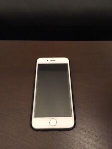 iPhone 6 16Go avec case et écran protecteur