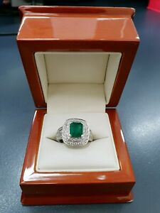 Ring 18K White Gold Shouldered Solitaire With Nat Emerald & Diamond