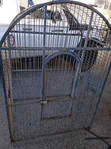 Large bird cage Shelley Canning Area Preview