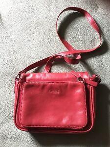 Italian leather purse by la Diva asking $35.00