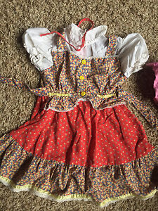 Old Fashioned Girls Dresses (6). All size 2