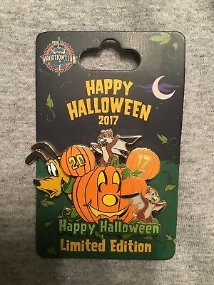 Disney Pin DVC Vacation Club 2017 Happy Halloween Pumpkin Chip Dale Pluto LE