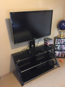"Samsung 47"" tv with stand"