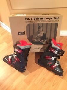 Ski boots in mint condition still in original package