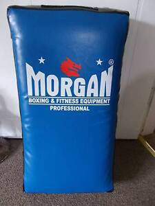 BULK LOT OF GYM EQUIPMENT-SPEEDBALL ON STAND,KICK PAD,WEIGHTS & Campbelltown Campbelltown Area Preview
