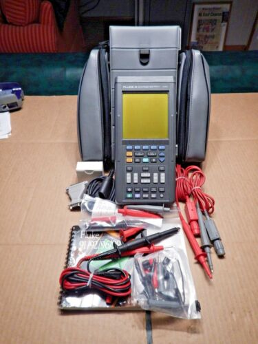 Fluke Series II 99 Digital Oscilloscope with , PROBES, CASE  AND MORE