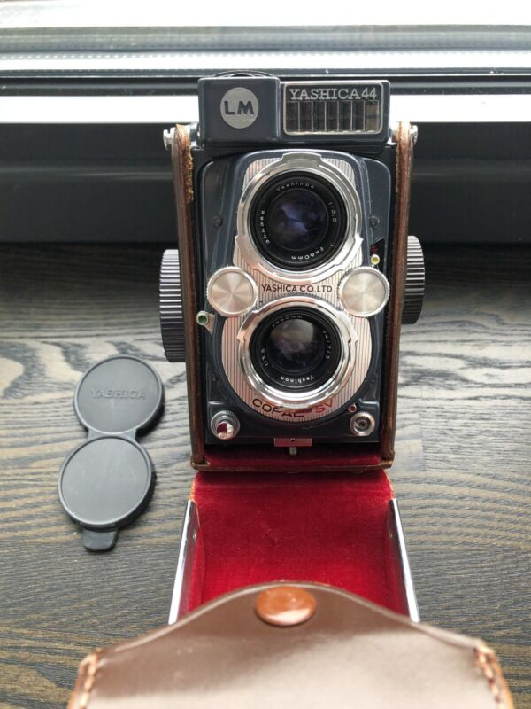 Yashica 44 LM w/ Carrying Case, Lens Caps and Rick Oleson Screen.
