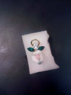 Pin gold filled with Sapphire zirconia diamond an flower